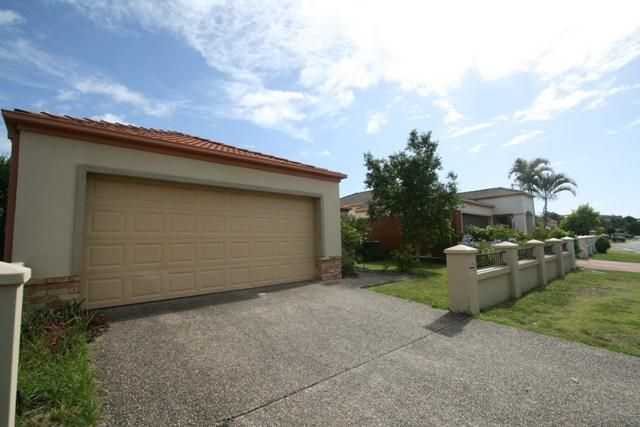 27 Gardendale Crescent, Burleigh Waters QLD 4220, Image 0