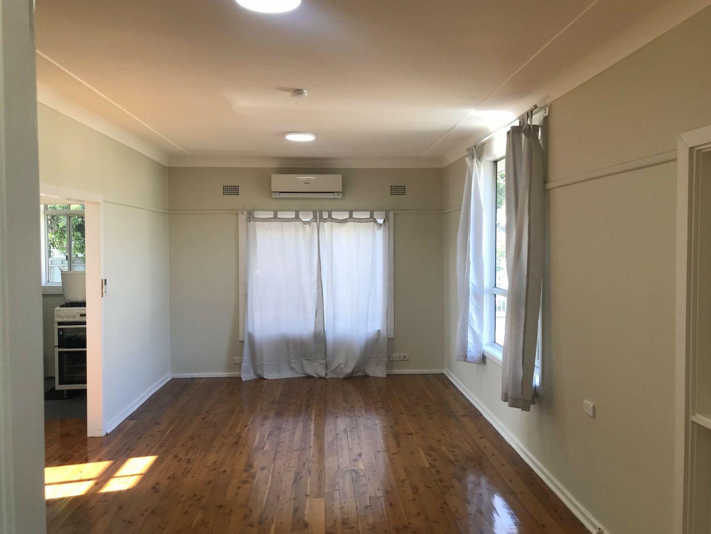 16 Johnson Avenue, Seven Hills NSW 2147, Image 2