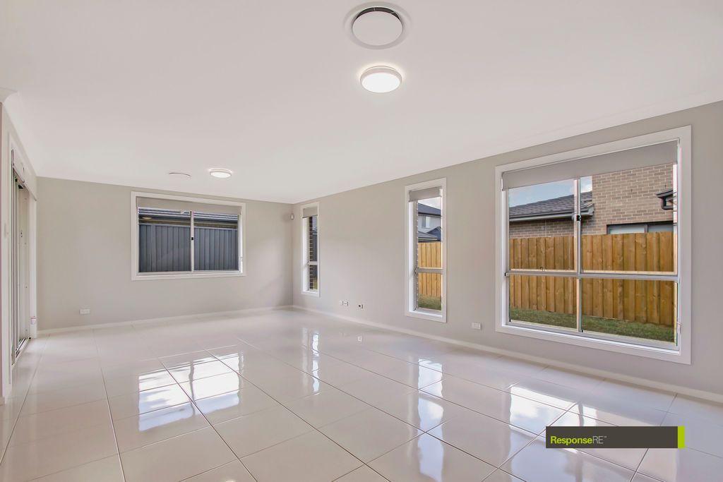 23 Redden Crescent, Riverstone NSW 2765, Image 2