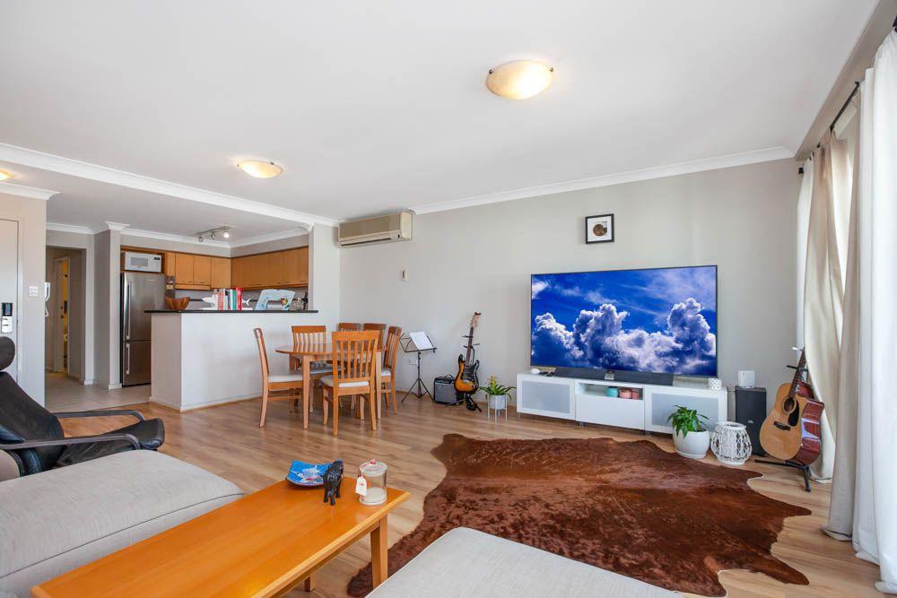 53/122 Mounts Bay Road, Perth WA 6000, Image 0