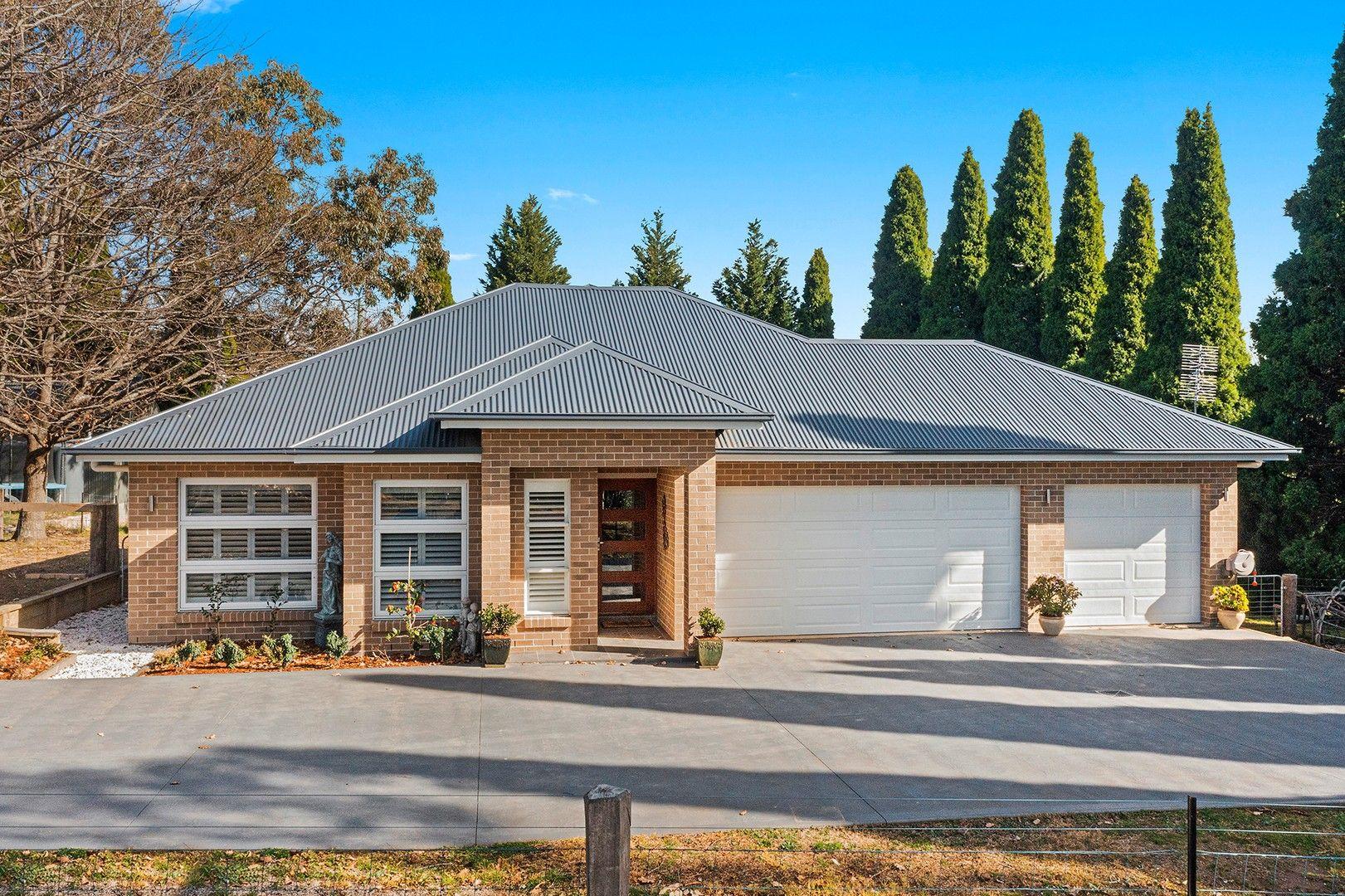 3 Torulosa  Drive, Moss Vale NSW 2577, Image 0