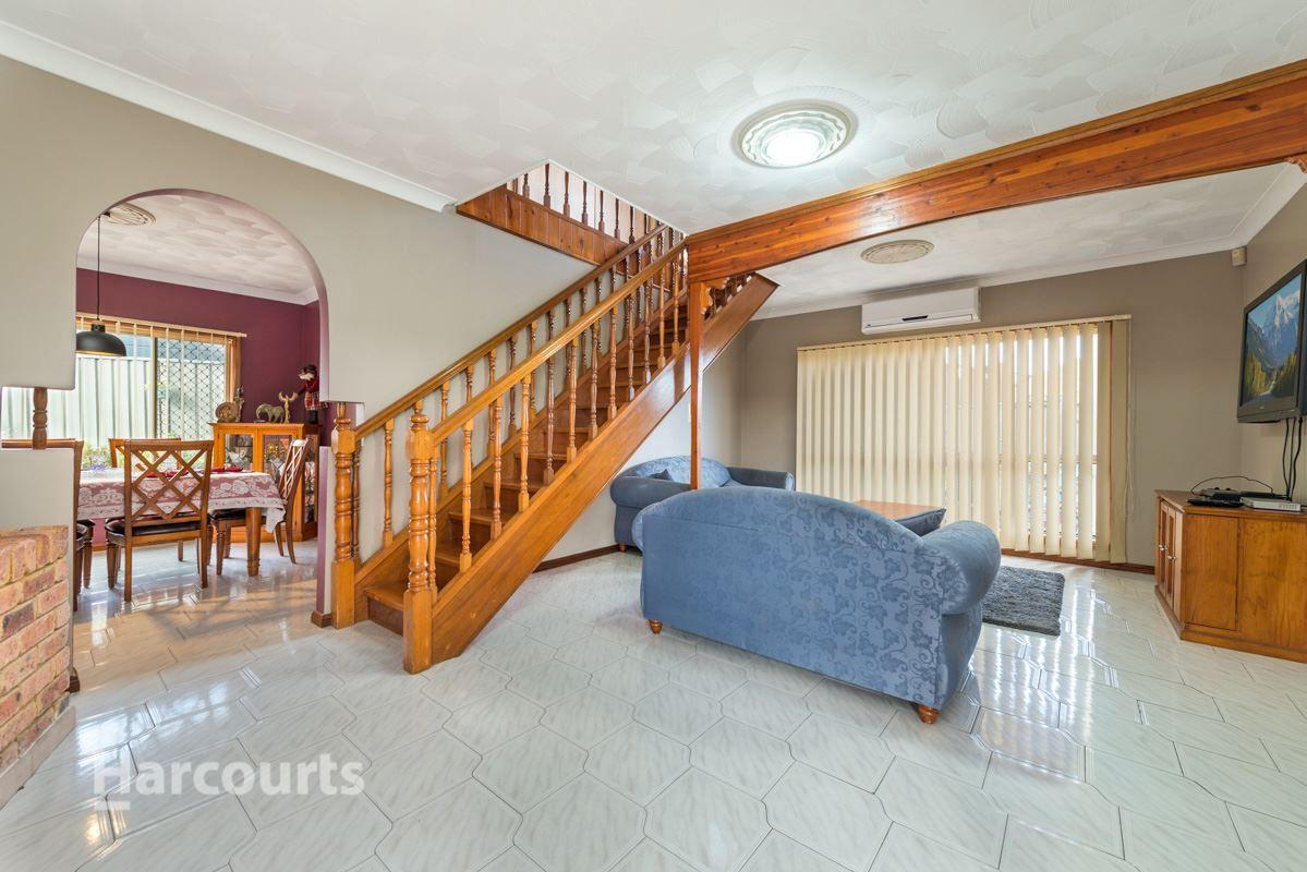 10 Massa Place, Claremont Meadows NSW 2747, Image 2