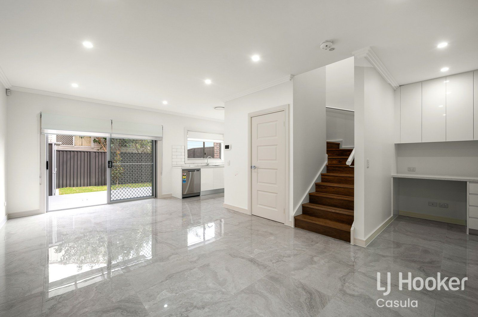 2/6 Holland Crescent, Casula NSW 2170, Image 1