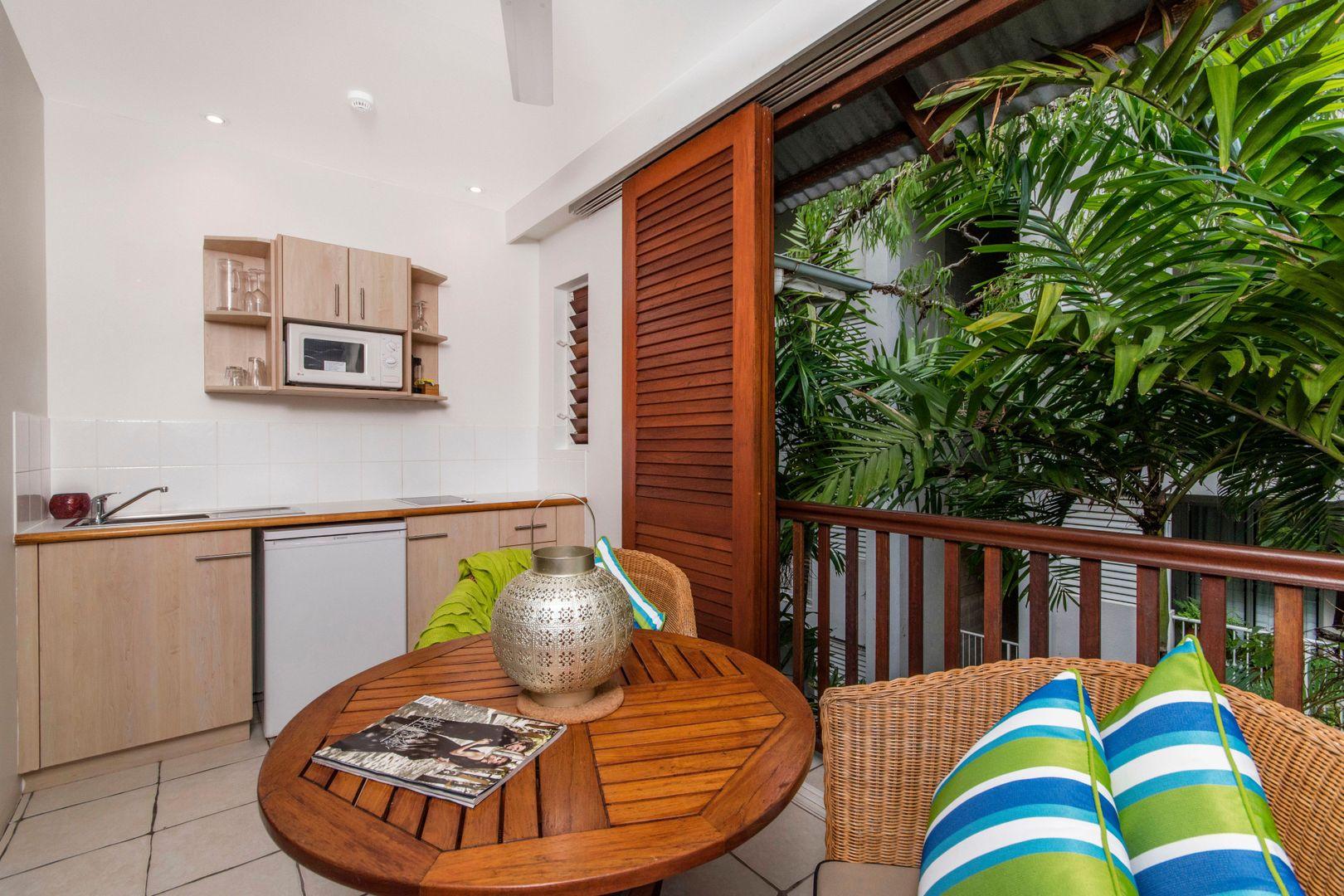 10-14 Amphora Street, Palm Cove QLD 4879, Image 1