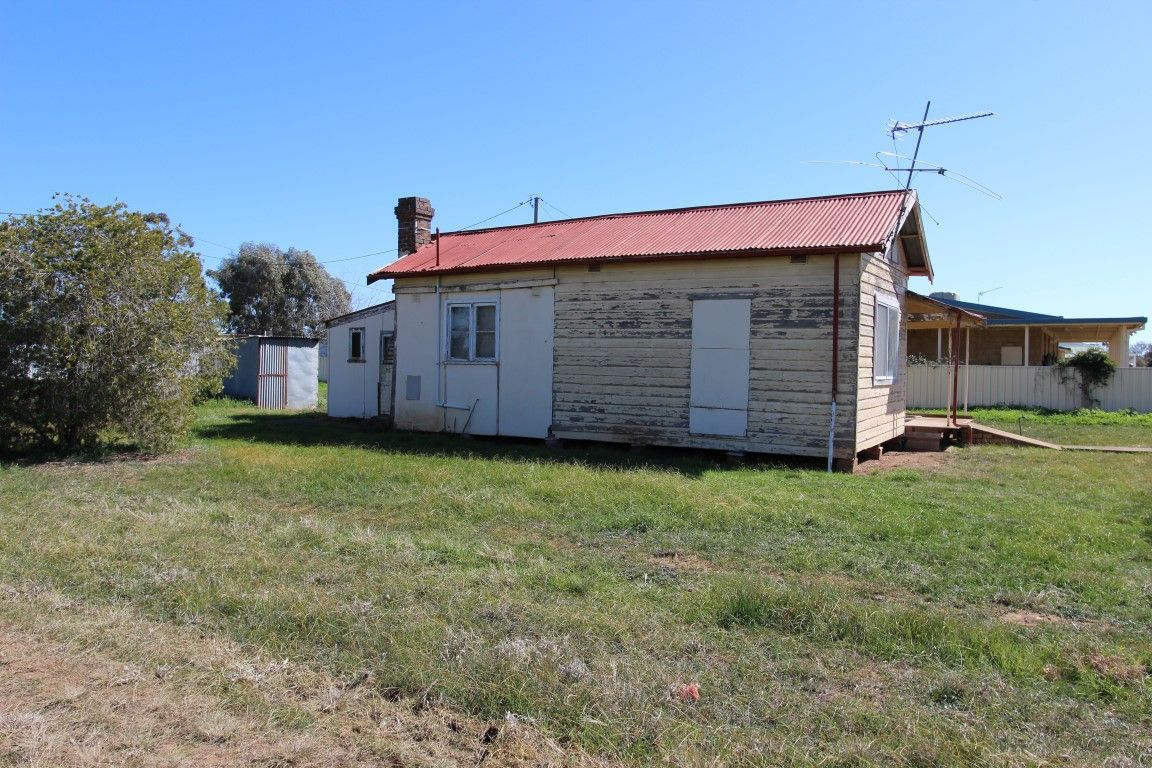 198 Camp Street, Temora NSW 2666, Image 2