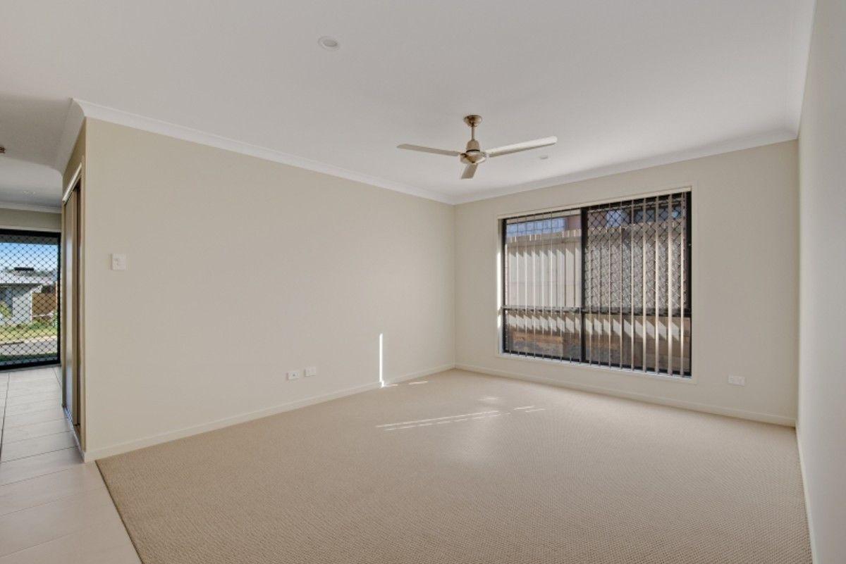 37 Ascot Crescent, Kallangur QLD 4503, Image 2