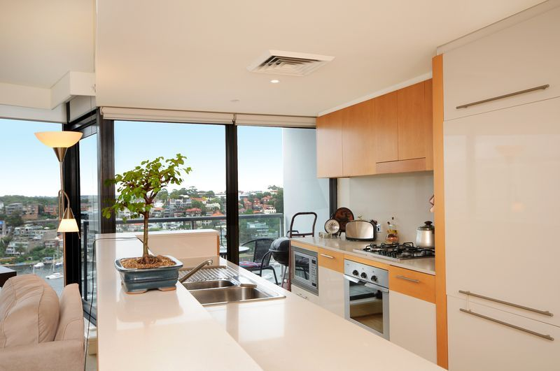 1801/30 Glen Street, Milsons Point NSW 2061, Image 2