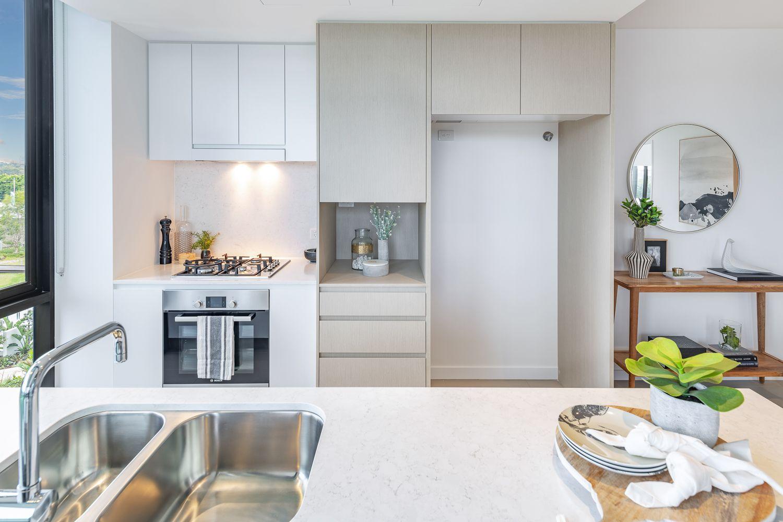 10304/320 Macarthur Avenue, Hamilton QLD 4007, Image 0