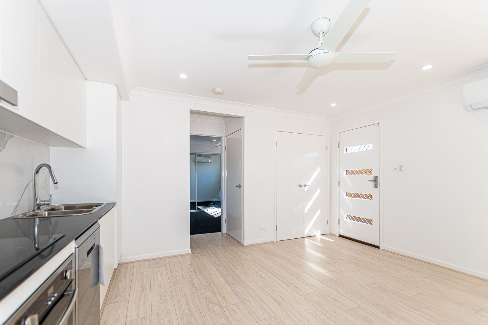 1/10 Pierro Place, Logan Reserve QLD 4133, Image 1