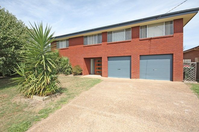 Picture of 32 Brucedale Avenue, SINGLETON NSW 2330