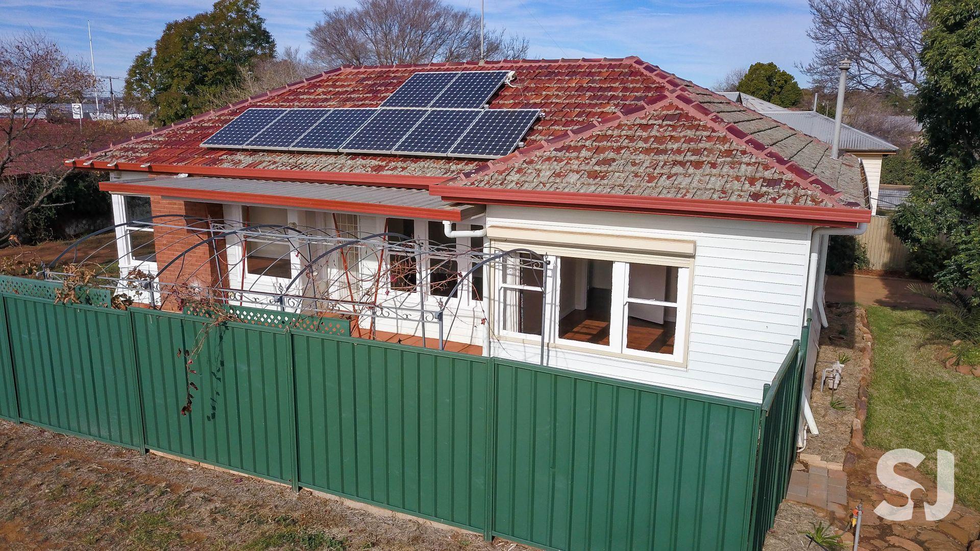 2 CORBETT AVENUE, Dubbo NSW 2830, Image 0