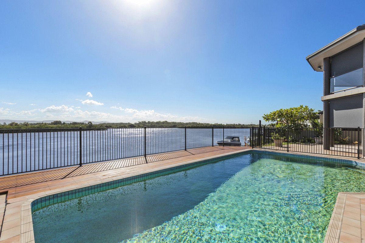 46 Tradewinds Avenue, Paradise Point QLD 4216, Image 1