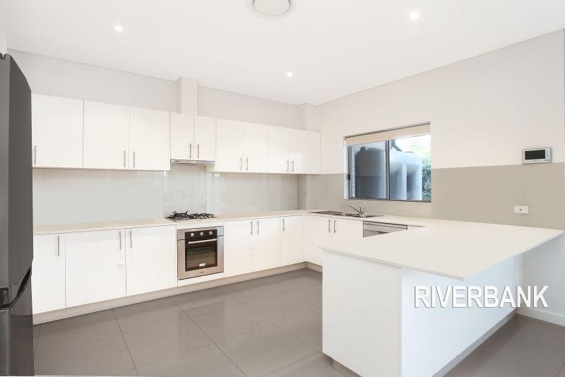 35 Warwick Road, Merrylands NSW 2160, Image 2