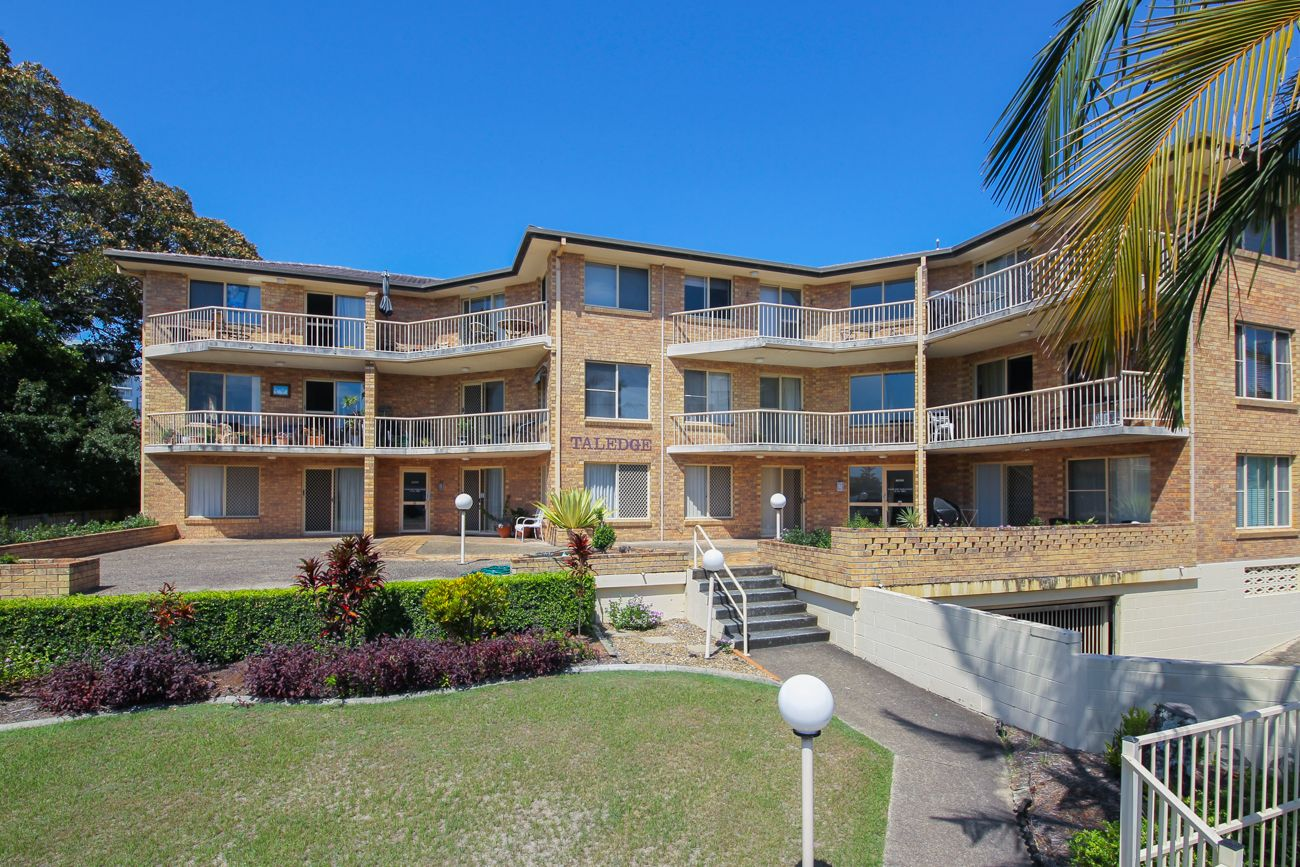 4/10 Brisbane Road, Labrador QLD 4215, Image 1