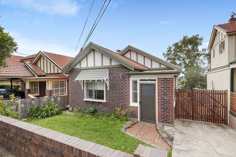 14 Rowley Road, Russell Lea NSW 2046, Image 0