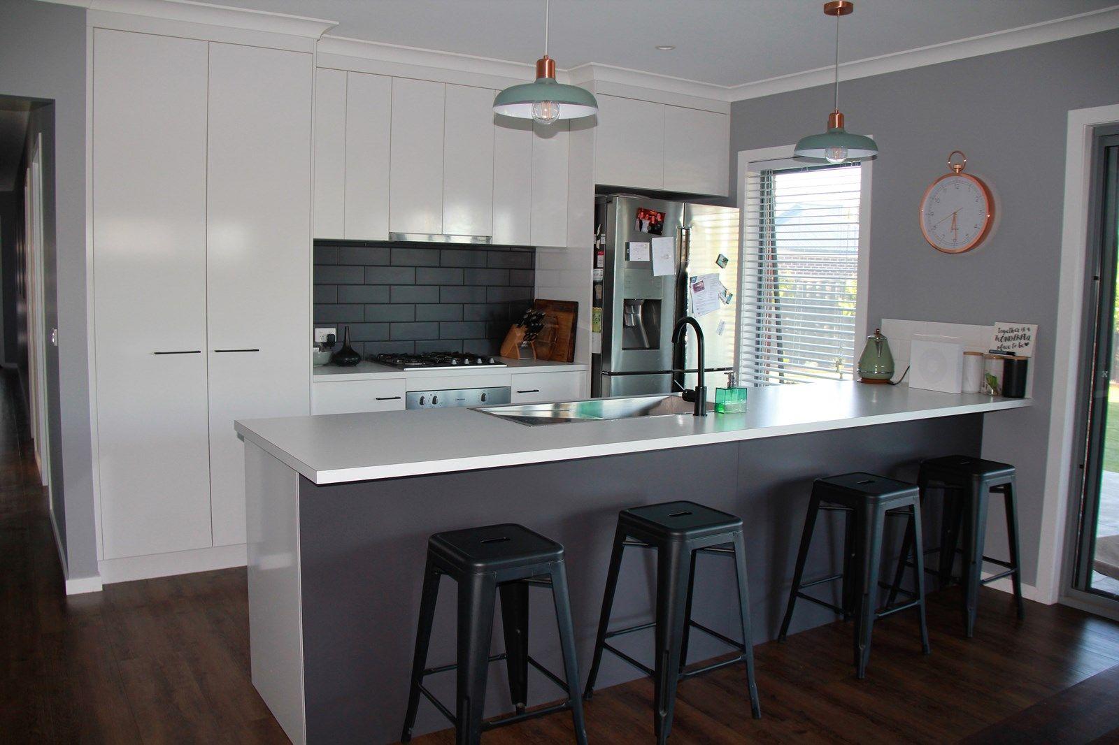 18 Baxter  Court, Lavington NSW 2641, Image 2