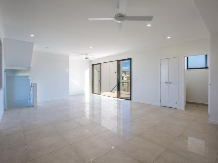 47 Park Cove Blvde, Hope Island QLD 4212, Image 2
