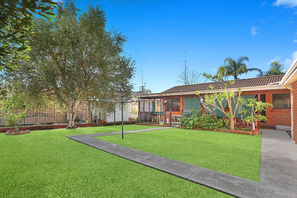 4 Moras Place, Lake Illawarra NSW 2528, Image 1