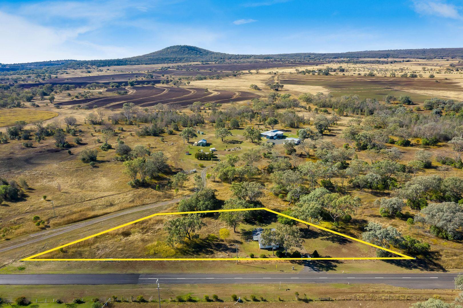 3297 Oakey Road, Springside, Pittsworth QLD 4356, Image 1