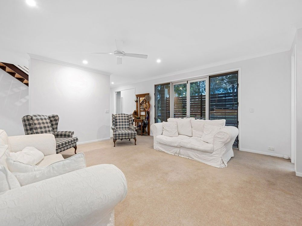 2 Torrens Crescent, Wakerley QLD 4154, Image 2