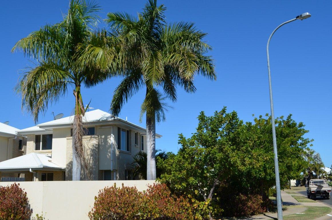 1/13 Mayfair Drive, Emerald QLD 4720, Image 1