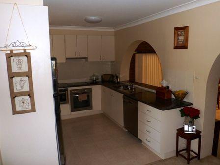 77 Ryall St, Canowindra NSW 2804, Image 2