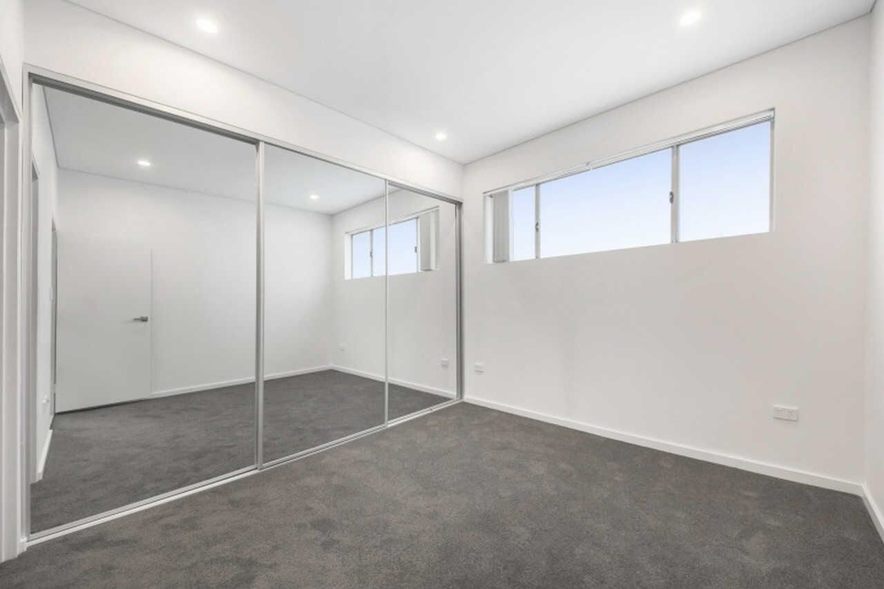 4/271 Dunmore Street, Pendle Hill NSW 2145, Image 2