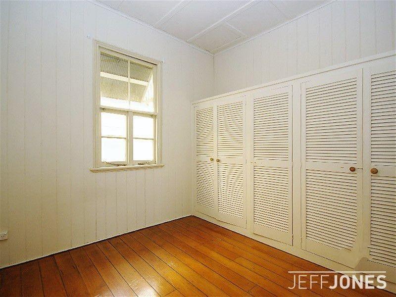 2 Jubilee Street, Stones Corner QLD 4120, Image 2