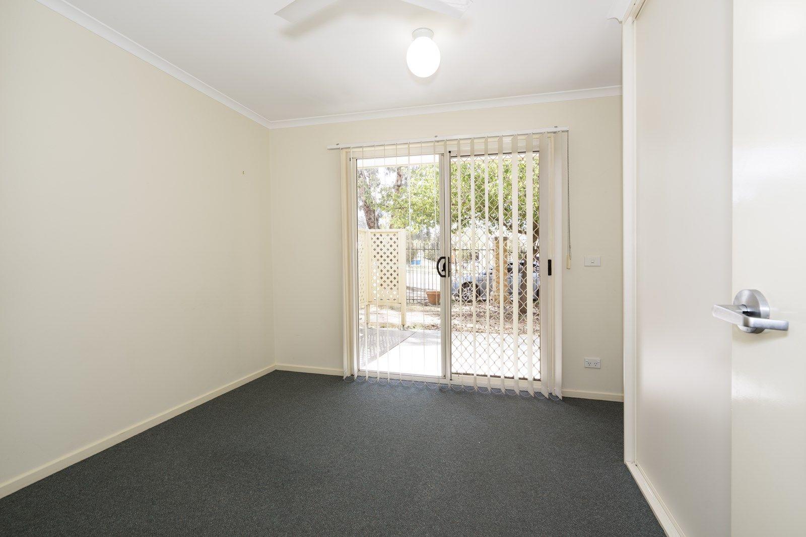 11/2 Hanlon Court, Wodonga VIC 3690, Image 2