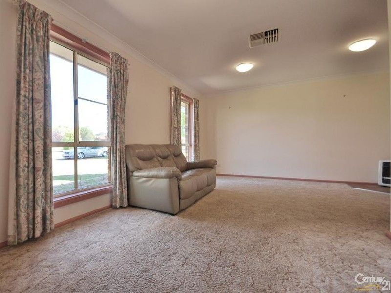10 Kestrel Close, Dubbo NSW 2830, Image 1