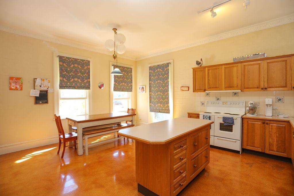 154 Peel Street, Bathurst NSW 2795, Image 2