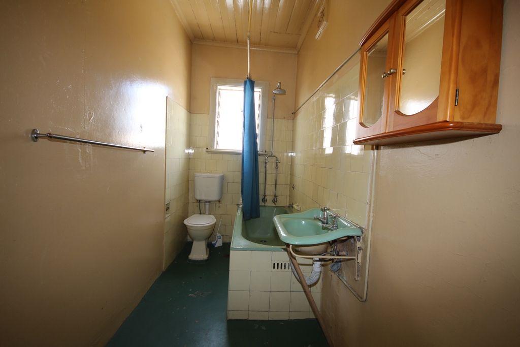1/180 Bridge Street, Muswellbrook NSW 2333, Image 2