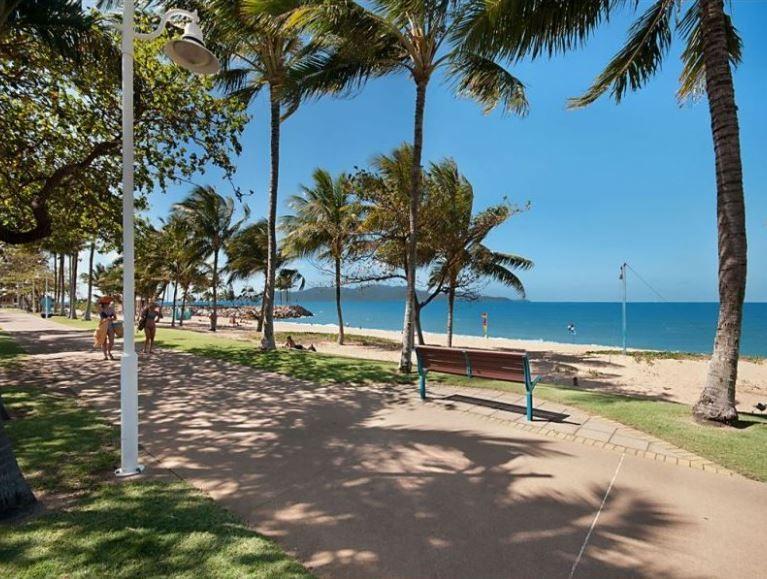 2/111 The Strand, North Ward QLD 4810, Image 1