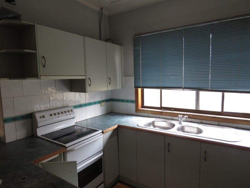 118 Kiora Street, Canley Heights NSW 2166, Image 2