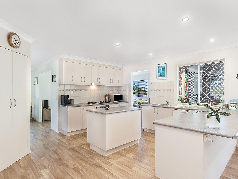 14 Rosewood Avenue, Bangalow NSW 2479, Image 2