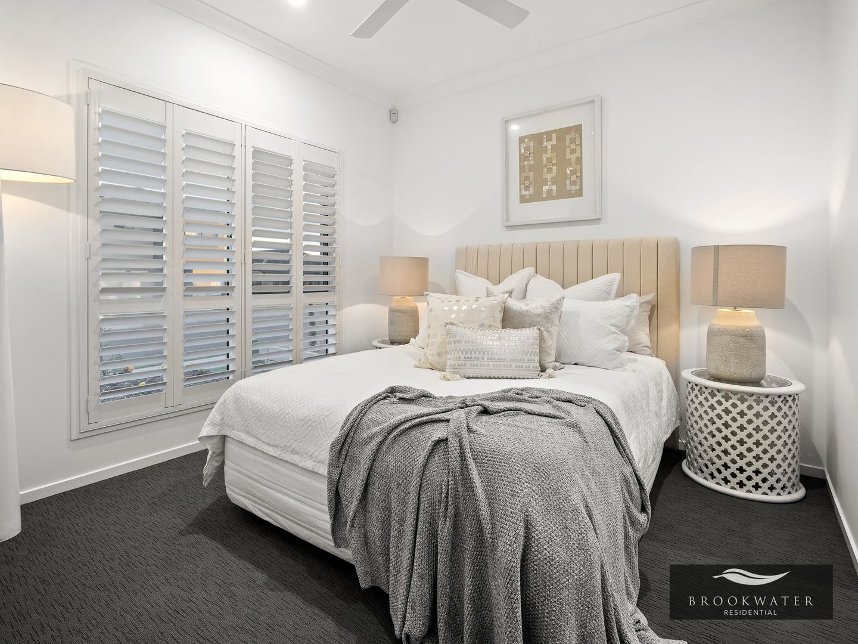 16 Roberts Crescent, Bellbird Park QLD 4300, Image 2