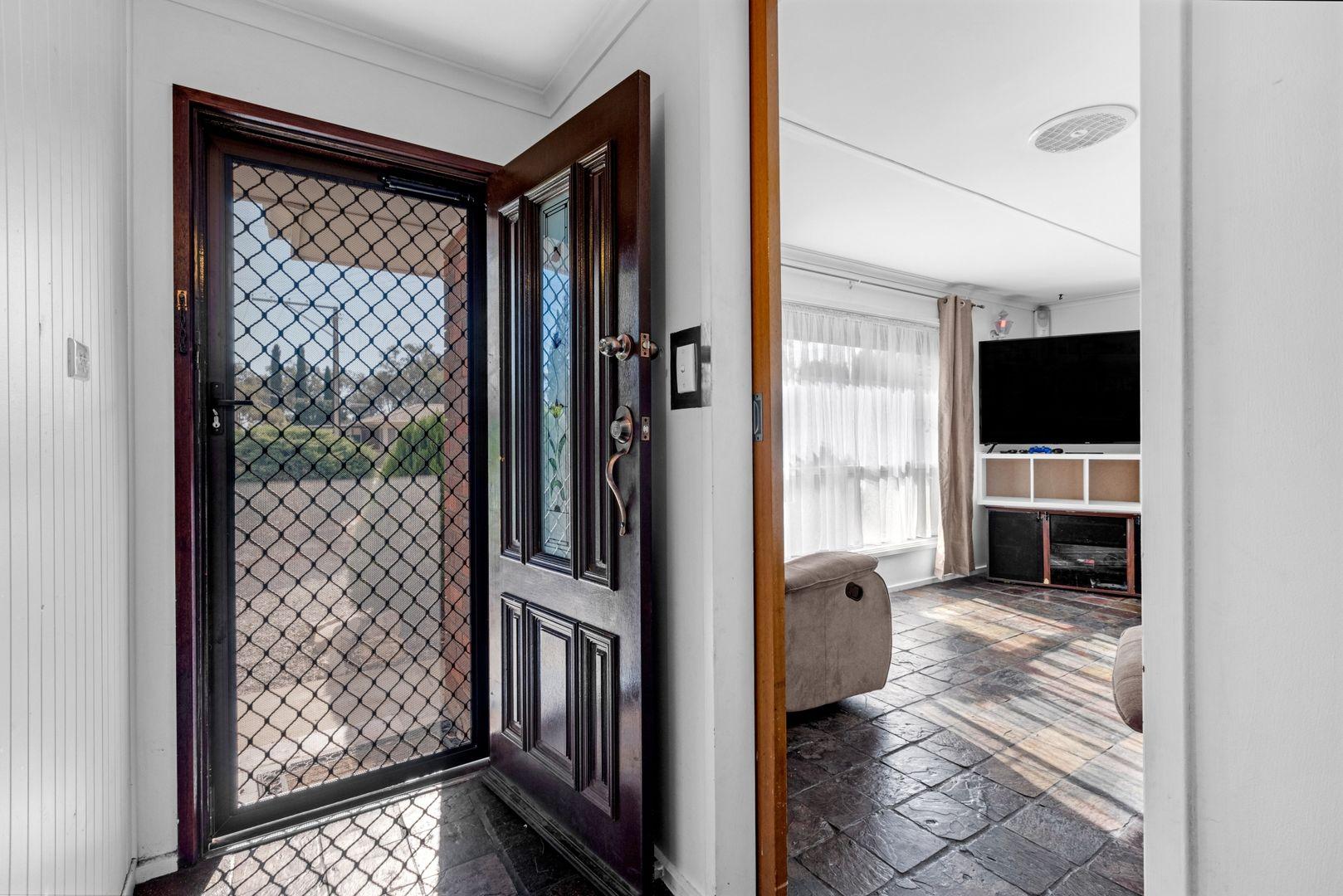 24 Mallett Avenue, Brahma Lodge SA 5109, Image 2