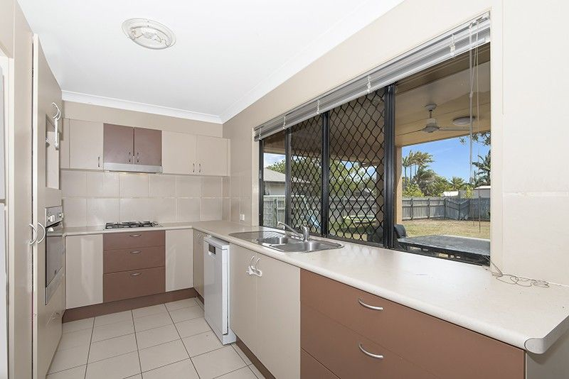 1 Limerick Way, Burdell QLD 4818, Image 2