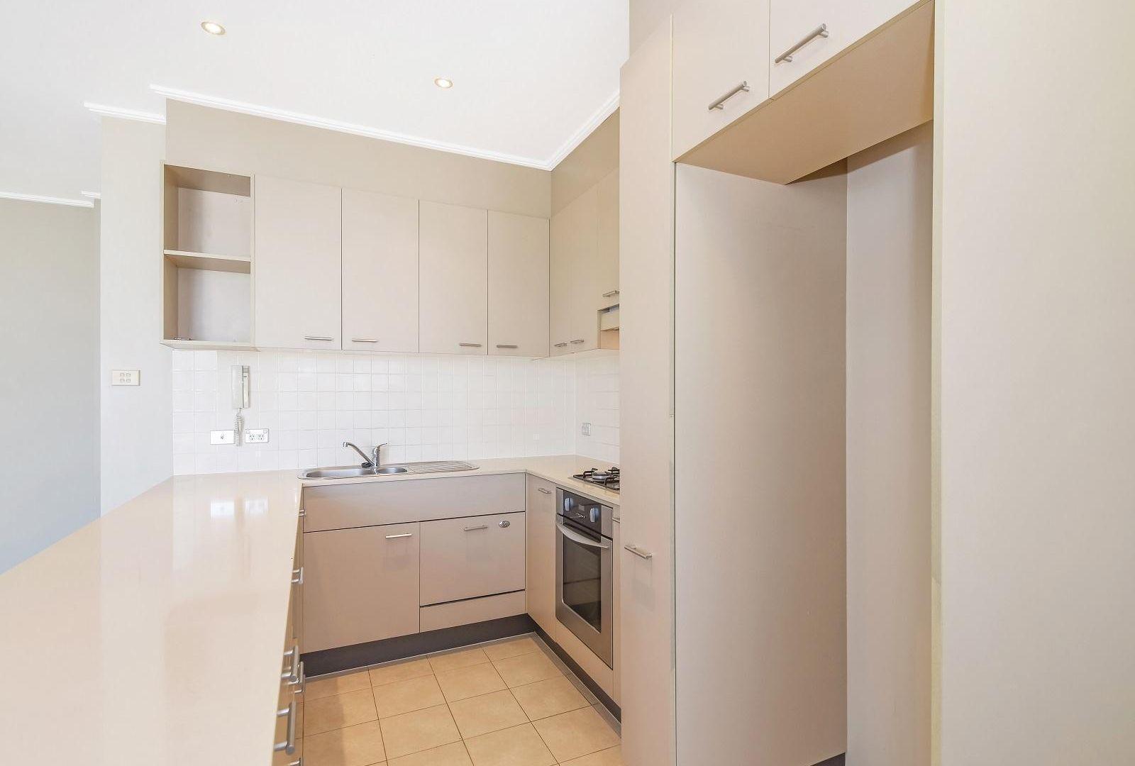 806/2 Orara Street, Waitara NSW 2077, Image 2