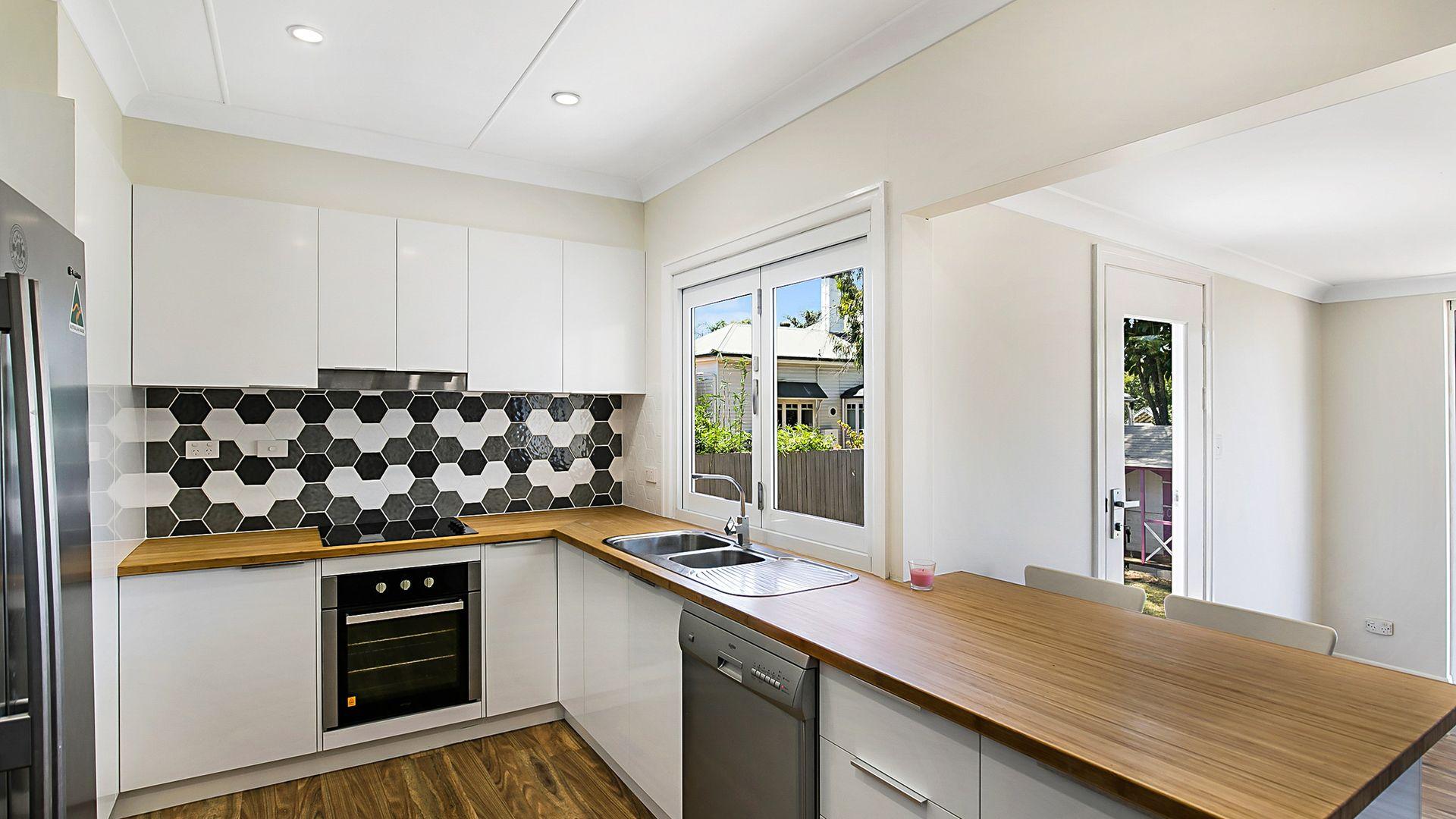 2 McCarthy Street, Newtown QLD 4350, Image 2
