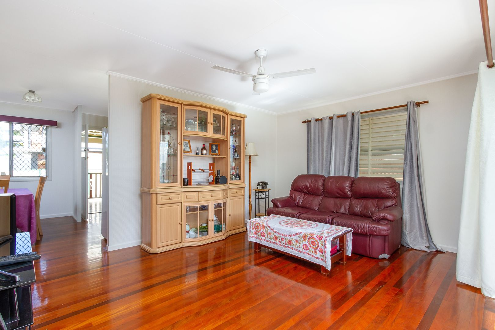 107 Pareena Cres, Mansfield QLD 4122, Image 2