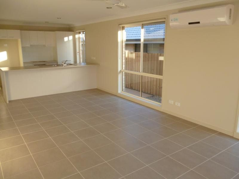 27 Blue View Terrace, Glenmore Park NSW 2745, Image 2