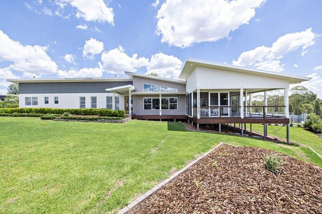 Picture of 14 Ballindoch Place, DUBBO NSW 2830
