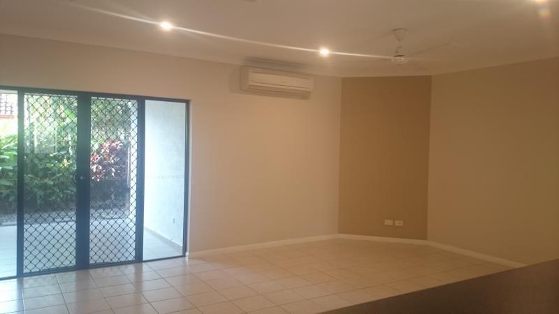 12/190 Irene Street, Mooroobool QLD 4870, Image 0