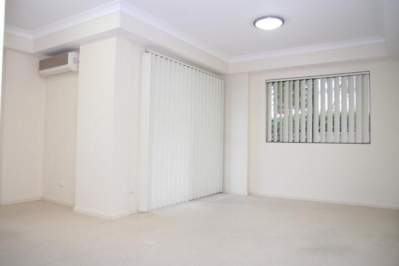 1/8-10 Lachlan Street, Liverpool NSW 2170, Image 2