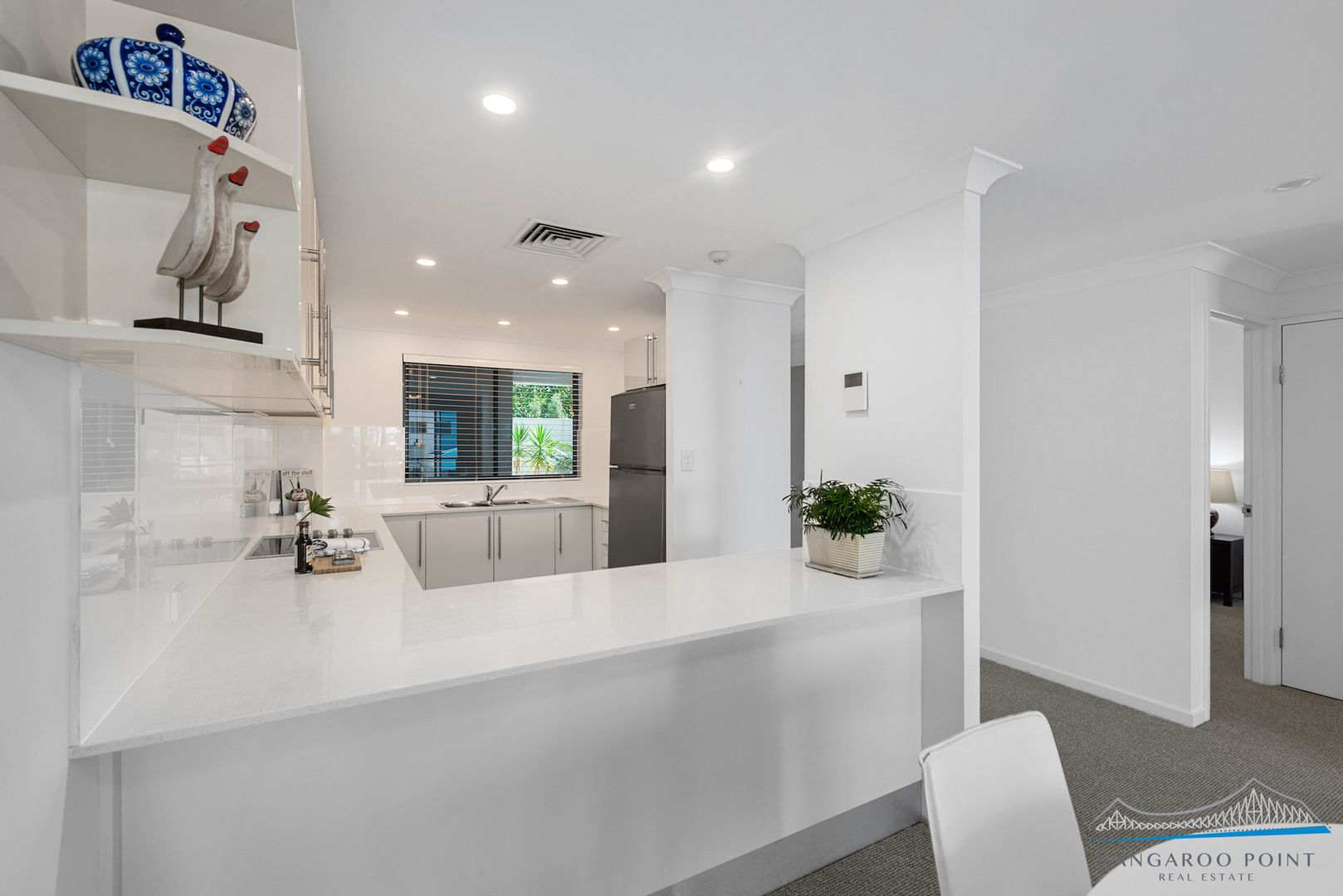 216/35 Prospect Street, Kangaroo Point QLD 4169, Image 2