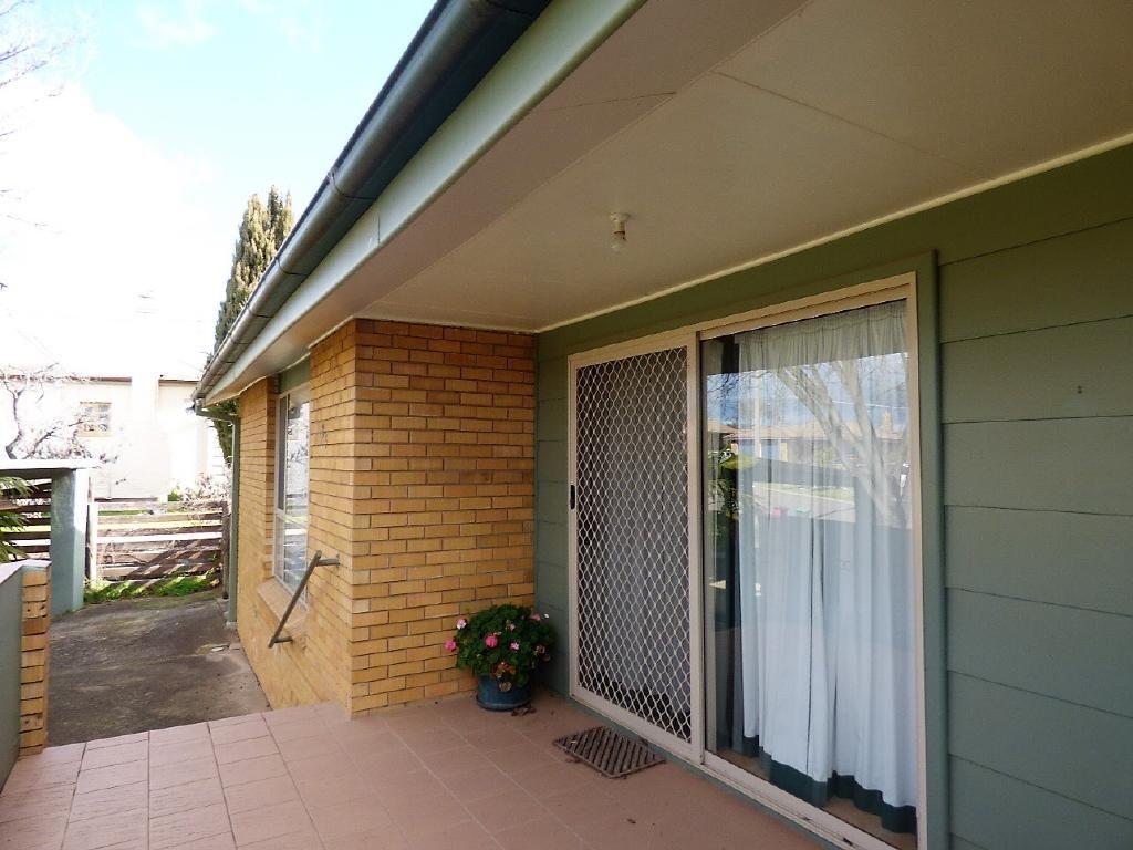 85 Centenary Avenue, Cootamundra NSW 2590, Image 2