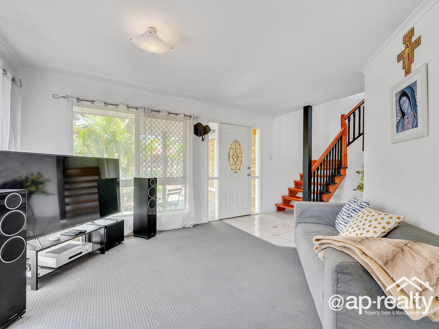 2 Beaufront Place, Forest Lake QLD 4078, Image 2