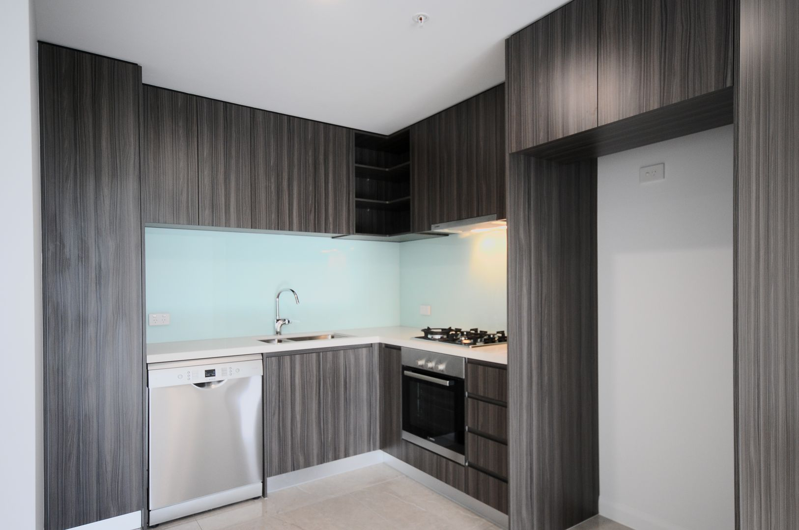 291/181 Clarence Road, Indooroopilly QLD 4068, Image 2