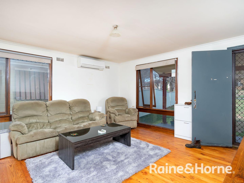 15 Poulton Street, Ashmont NSW 2650, Image 1